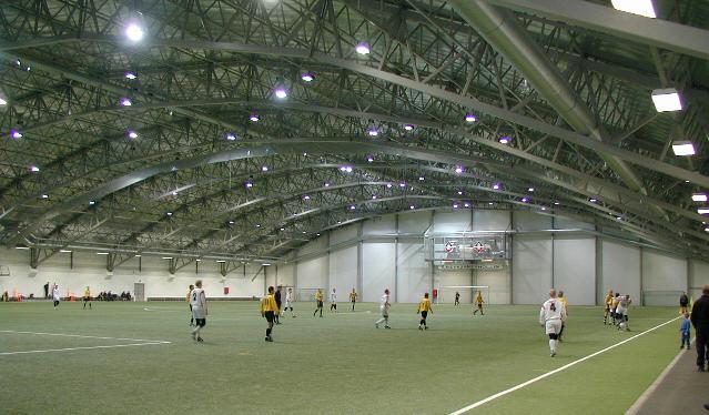 Reykjavikin Jalkapallohalli, Islanti